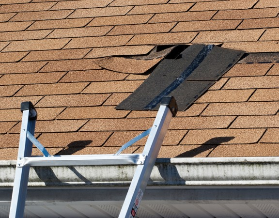 Three Reasons to be Proactive About Replacing an Aging Home Roof